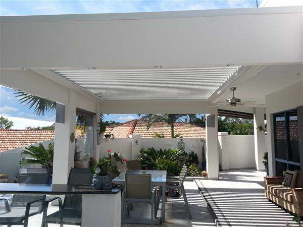 Patios - Gold Coast - Brisbane - Louvres during rainy weather Different Style