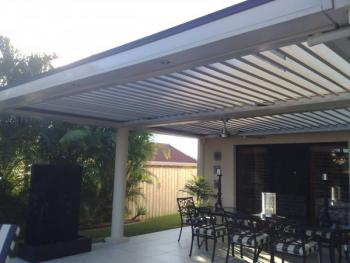 Patios - Gold Coast - Brisbane - Outdoor Space with many chairs