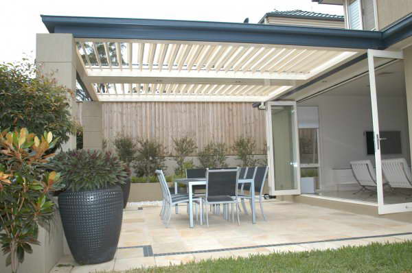 Patios - Gold Coast - Brisbane - Louvres during rainy weather